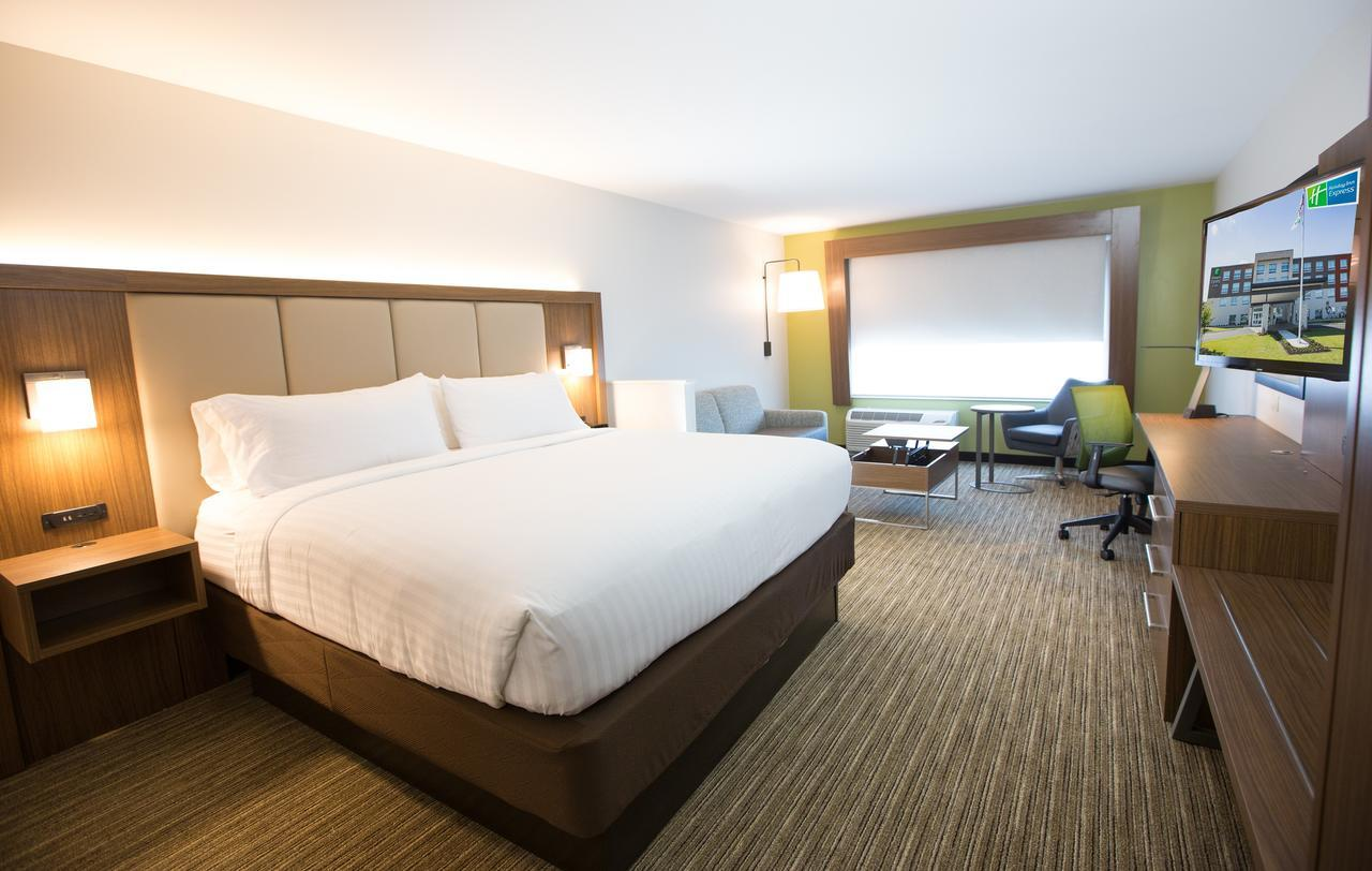 Holiday Inn Express & Suites Nashville North - Springfield, TN